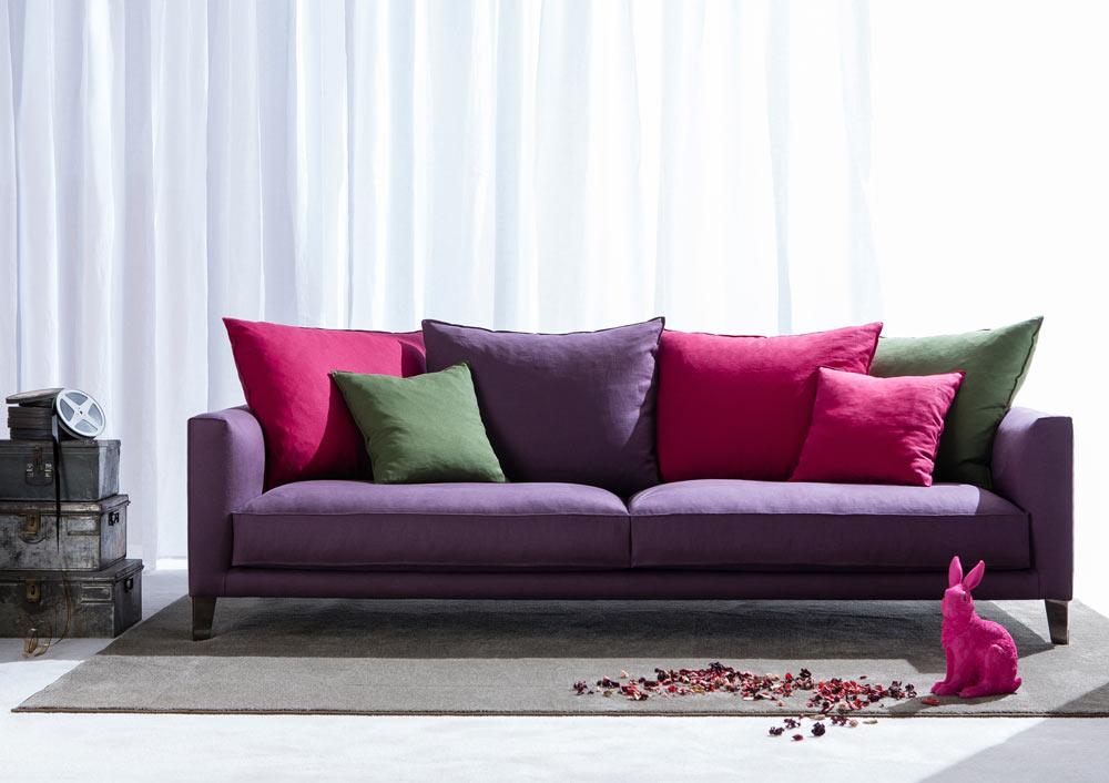 El moderno sofá Ciak es un resplandor de color