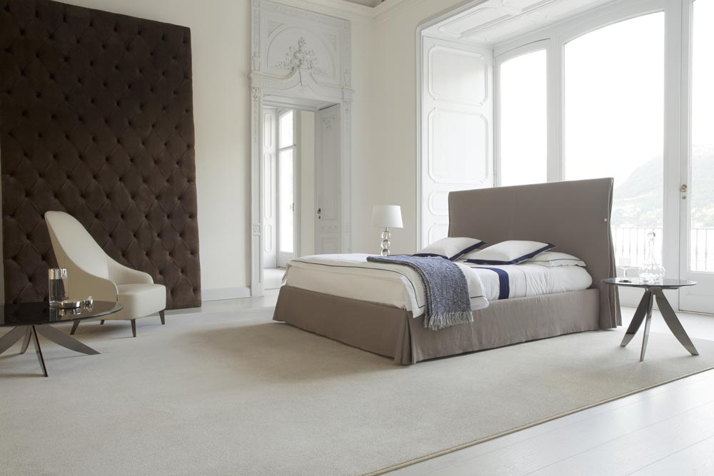 Sorbonne king size bed