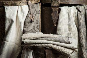 Tende e rivestimenti per divani LaMadrid collezione tessile BertO