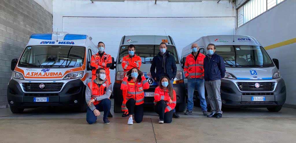 Los voluntarios de Avis Meda y Filippo Berto