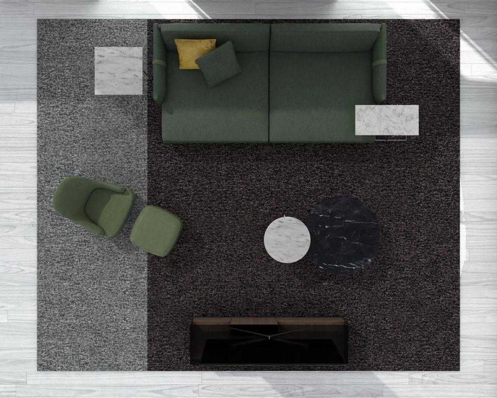 Sofá con asiento profundo Dee Dee de BertO con los complementos de la colección 2021 de BertO