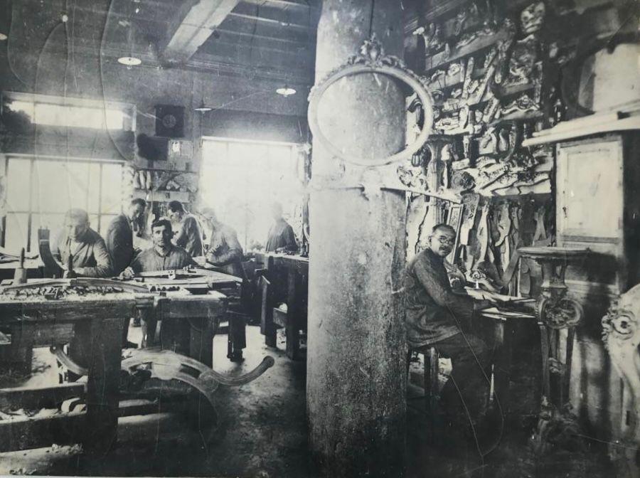 El histórico taller Boga, medalla de oro en talla