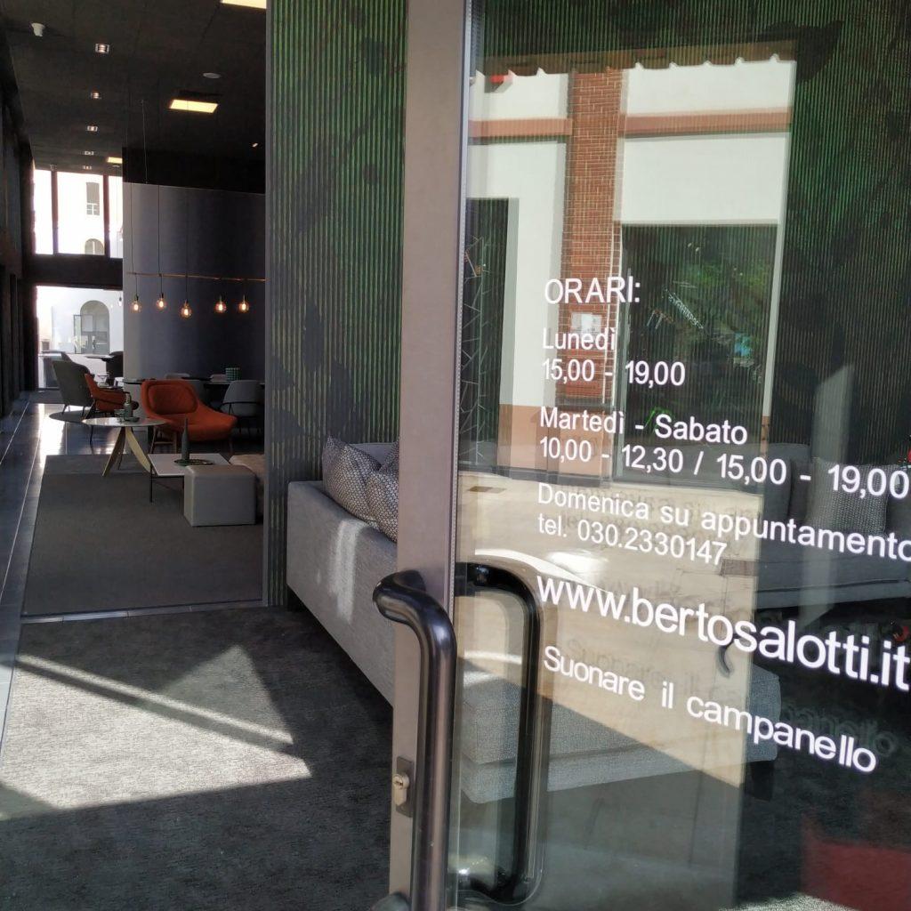 Brescia - La entrada de la sala de exposiciones BertO