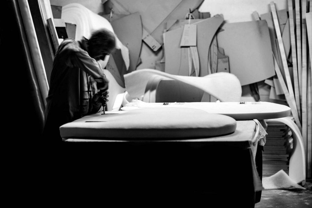 Flavio Cairoli maestro tapicero BertO - foto blanco y negro
