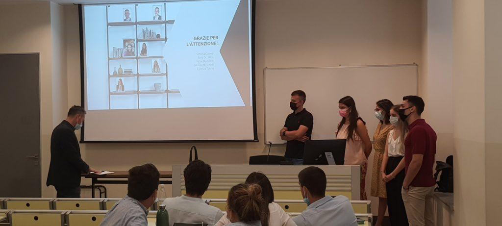 Los estudiantes de la Università Cattolica del Sacro Cuore de Milán presentan una campaña de marketing para el lanzamiento de la nueva colección de BertO